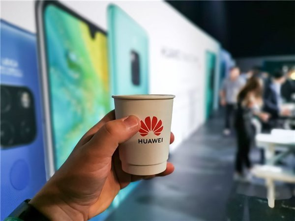 Альтернативная операционная система Huawei работает на 60% быстрее Android