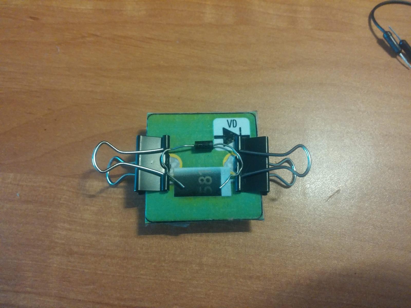 Превращаем картонную электрическую схему в настоящую или как сделать простой конструктор из настольной игры - 6