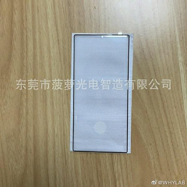 Размеры Samsung Galaxy Note10 и Note10 Pro сравнили на живом фото