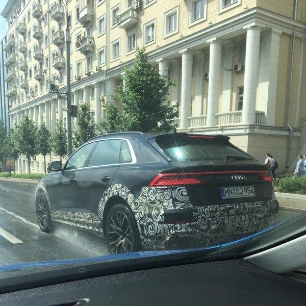 В Москве замечена новая Audi SQ8