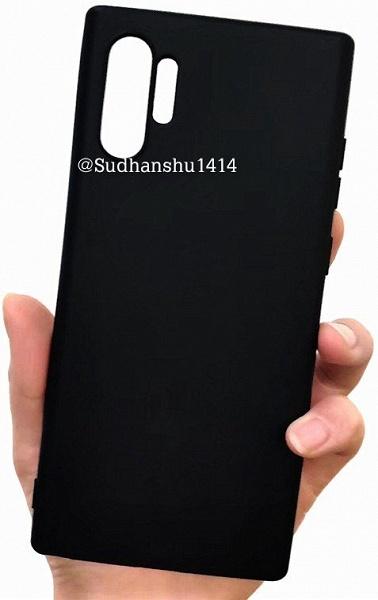 Галерея дня: настоящие чехлы Samsung Galaxy Note10 и Note10 Pro в руках пользователя