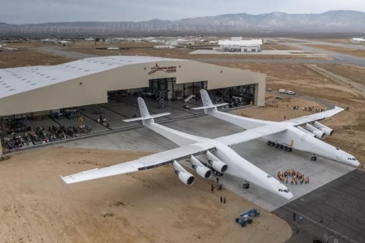 Самый большой в мире самолёт Stratolaunch продаётся за 0 млн, но Virgin Group не даёт за него больше