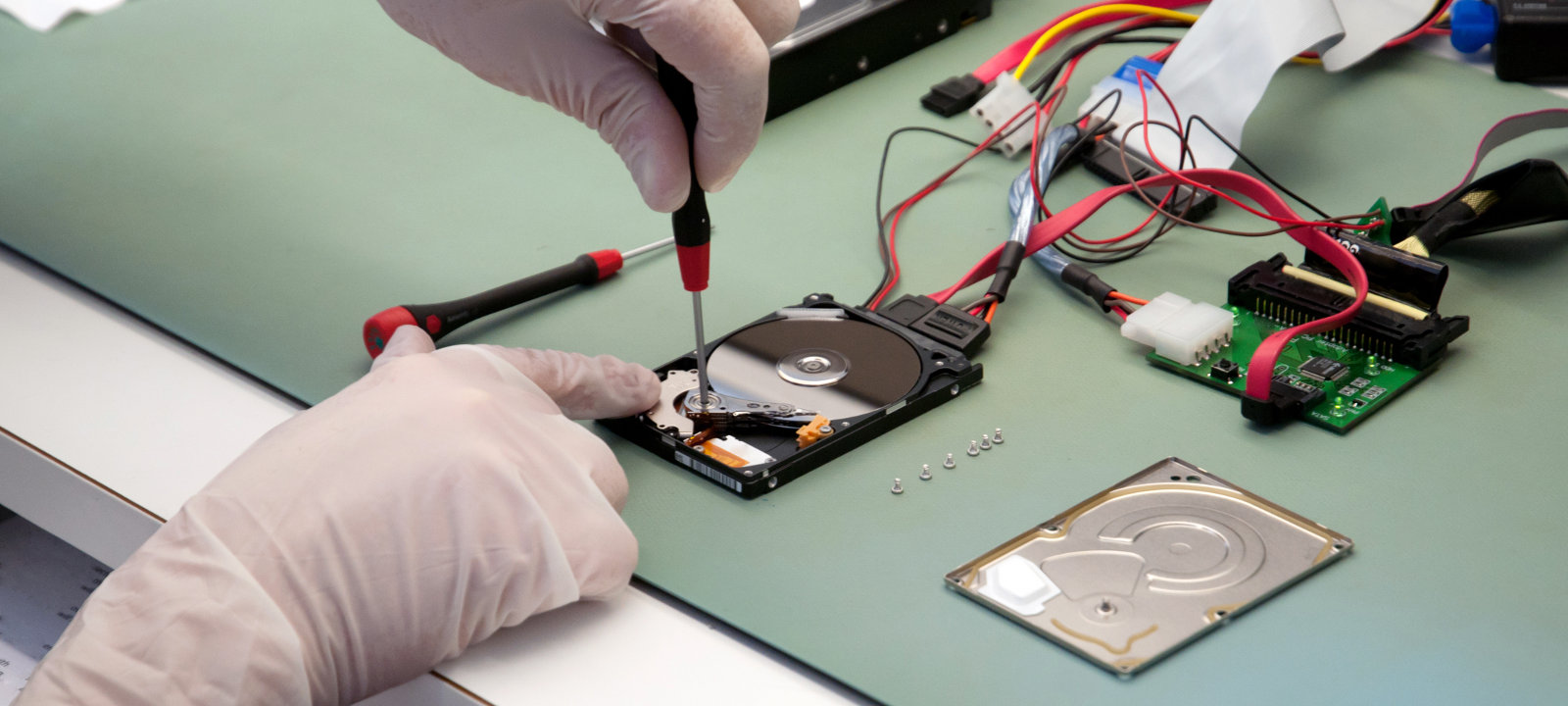 Реверсинг и взлом самошифрующегося внешнего HDD-накопителя Aigo. Часть 1: Препарируем на части - 1