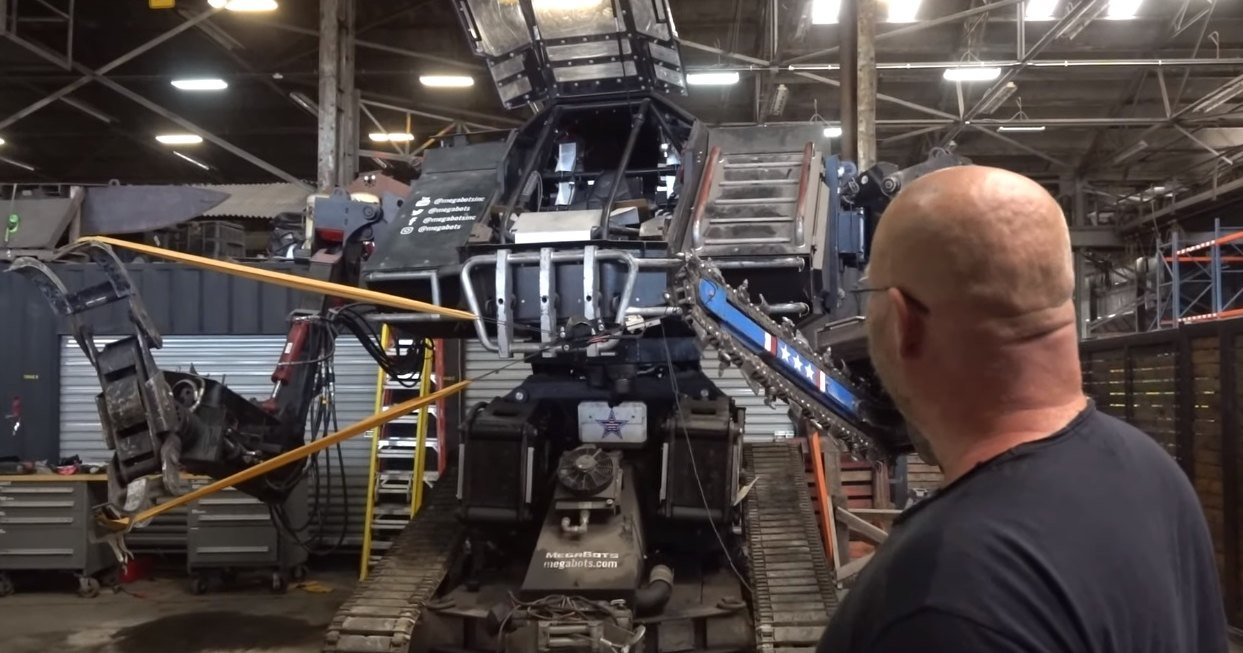 Боевой робот-гладиатор получил апгрейд: мегабот с мегарогаткой