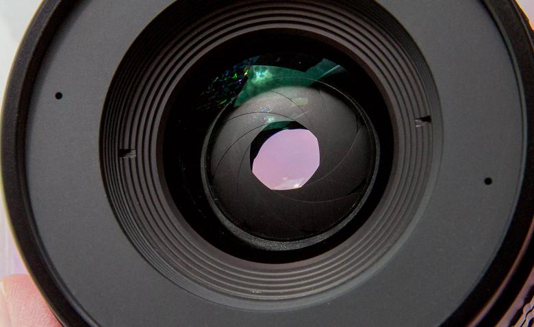 Все ближе к зеркальным камерам. Samsung Galaxy Note10 получит объектив с переменной диафрагмой
