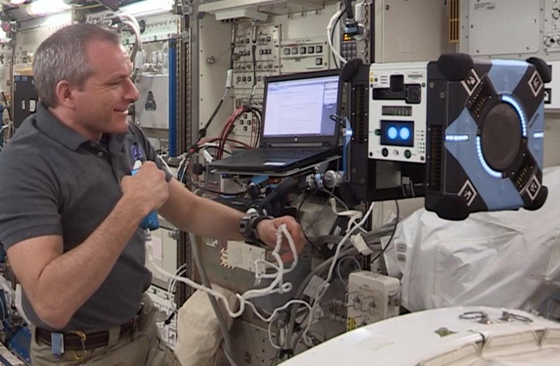 Робопчелка «Bumble» — первый тестовый полет внутри МКС - 1