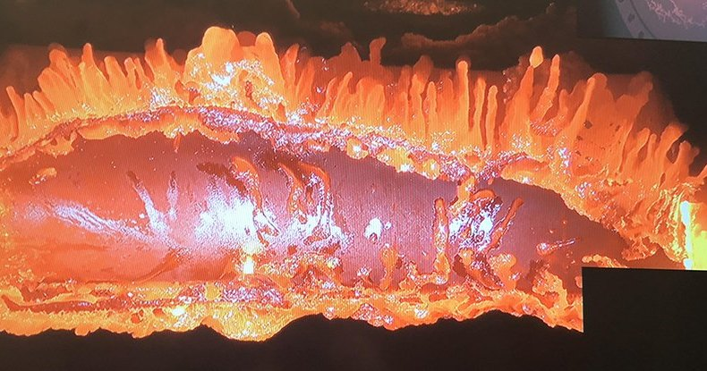Ученые расплавили спутник в потоке плазмы: зрелищный опыт