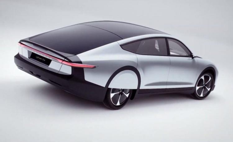 Lightyear представила «солнечный» электромобиль с запасом хода 720 км
