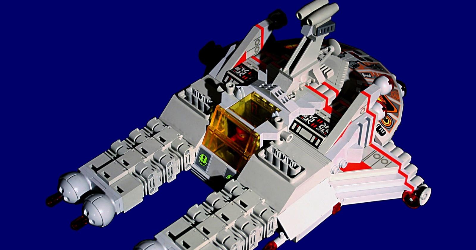 Как сделать из LEGO космический корабль