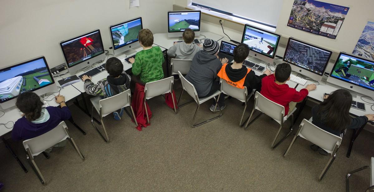 Министерство просвещения планирует ввести компьютерные игры в школьную программу - 1