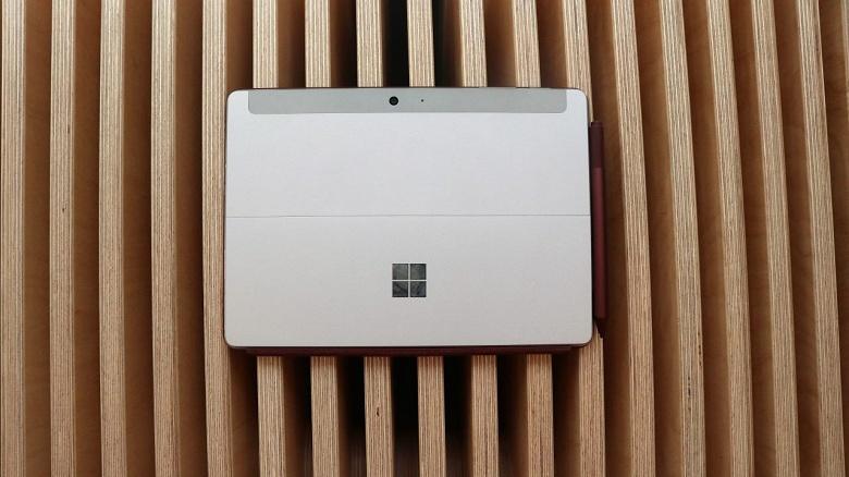 Microsoft хочет выпустить мобильные ПК Surface с процессорами AMD и однокристальными системами с архитектурой Arm