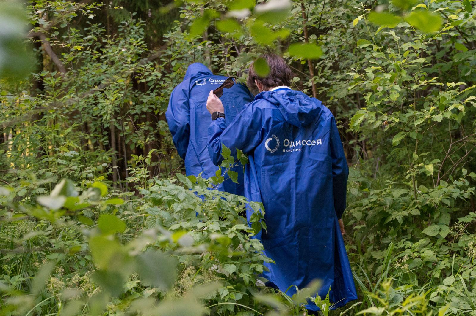 Инженеры спасают пропавших в лесу людей, но лес пока не сдается - 4