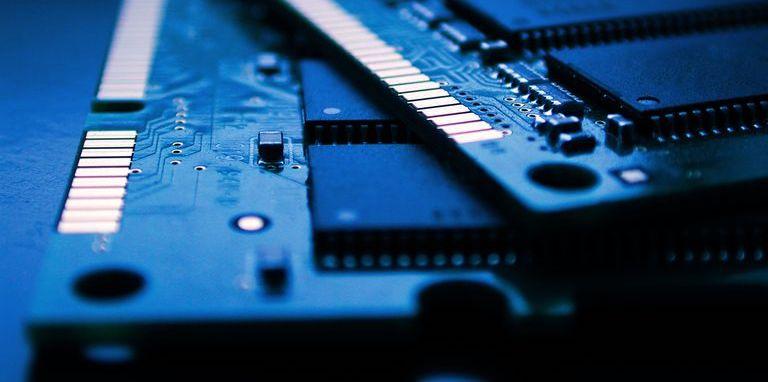 Универсальная память: SRAM, DRAM и флеш-память в одном флаконе - 1