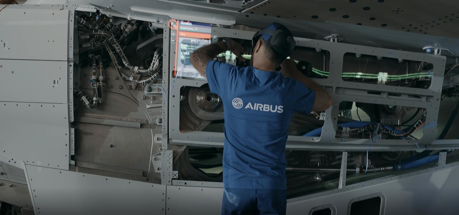 Технология смешанной реальности позволит производственным работникам Airbus видеть информацию и инструкции, даже когда у них заняты руки.