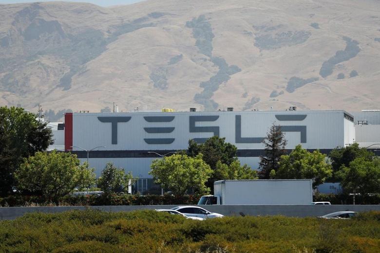 Руководитель производства электромобилей Tesla во Фримонте покинул компанию