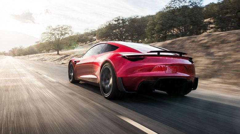 Гиперкар Tesla Roadster ещё не вышел, а уже потерял в динамике
