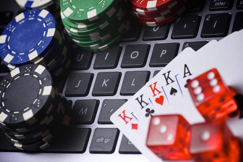 ФАС собирается бороться незаконной рекламой онлайн-казино - 1