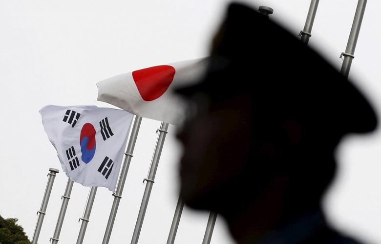 На решение Южной Кореи о компенсациях за принудительный труд ее граждан во время второй мировой войны Япония ответила ужесточением правил экспорта
