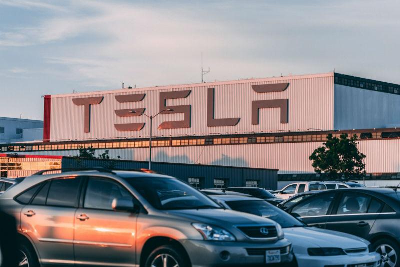 Обзор: Каким окажется будущее Tesla, и какие факторы будут на него влиять - 1