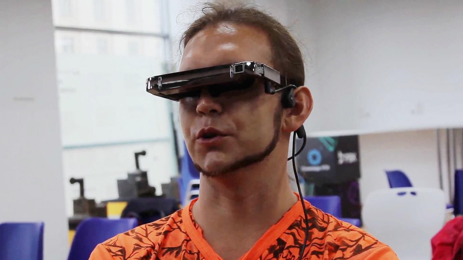 Пионеры новых технологий: Вадим Арцев рассказал, как перестал быть незрячим - 1
