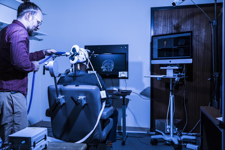 Учёные представили интерфейс «мозг-мозг», объединяющий сразу несколько человек - 4
