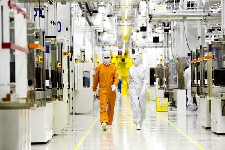 Японские санкции приведут к полной остановке заводов Samsung и SK Hynix через два месяца