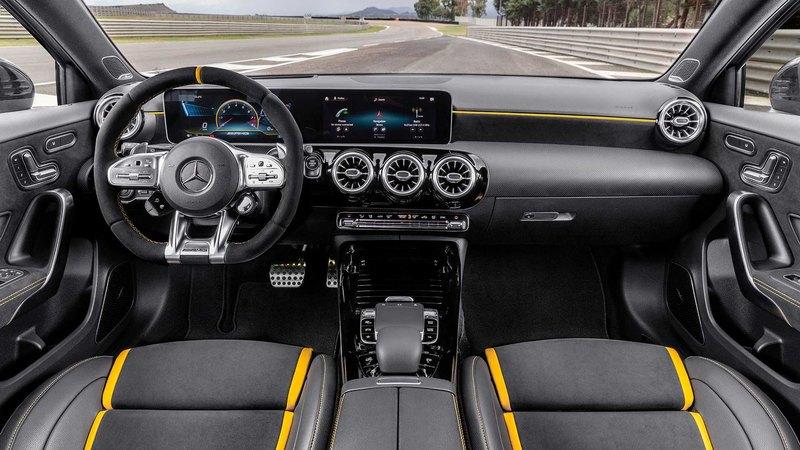 Mercedes-AMG вывел в свет самую мощную «четвёрку»