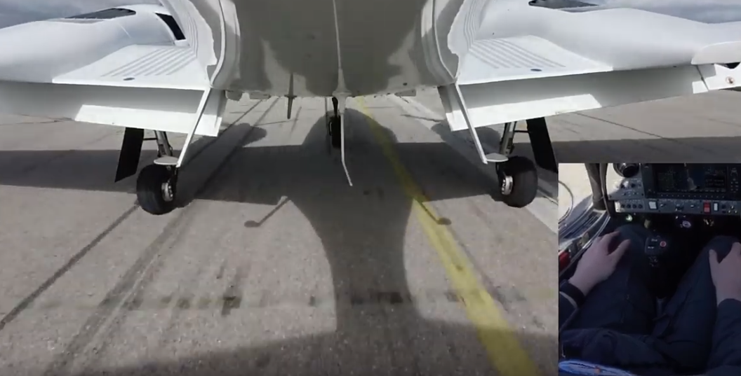 Самолет впервые посадили автономно, без помощи с земли - 1
