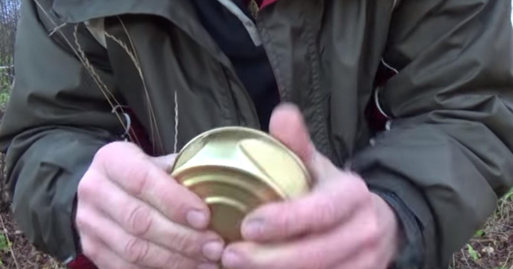 Как вскрыть консервную банку голыми руками