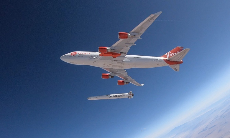 Сброс ракеты LauncherOne с самолёта Boeing 747 Cosmic Girl компании Virgin Orbit прошёл успешно