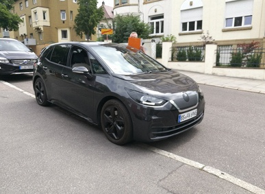 Ожидаемый электрический хэтчбек Volkswagen ID.3 попал в объектив камеры без камуфляжа