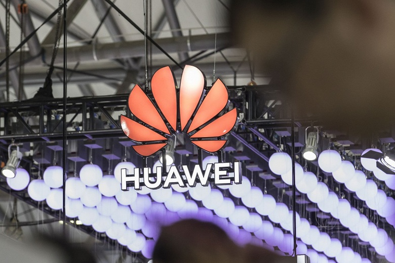 Вопреки санкциям. Председатель Huawei заявил, что выручка компании по итогам первого полугодия выросла
