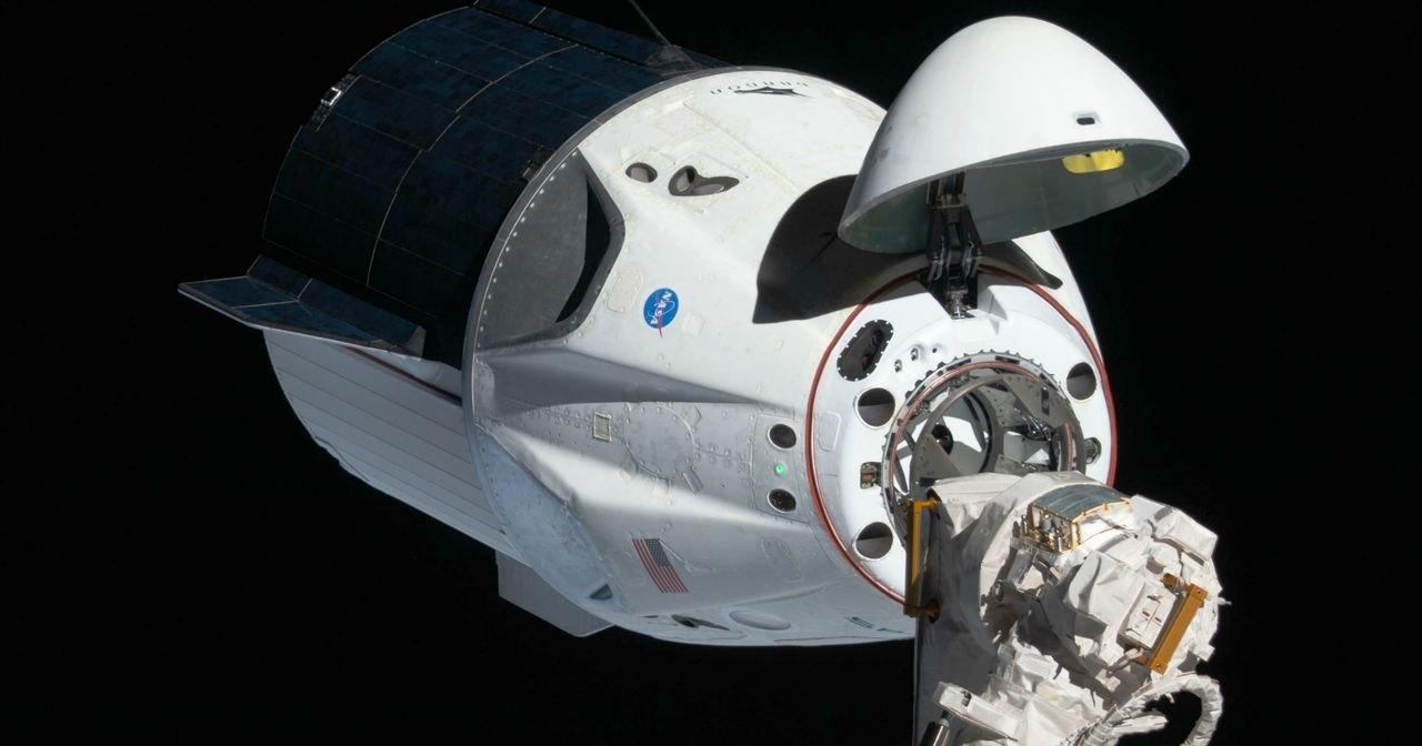 Корабль SpaceX взорвался из-за самовоспламенения титанового клапана
