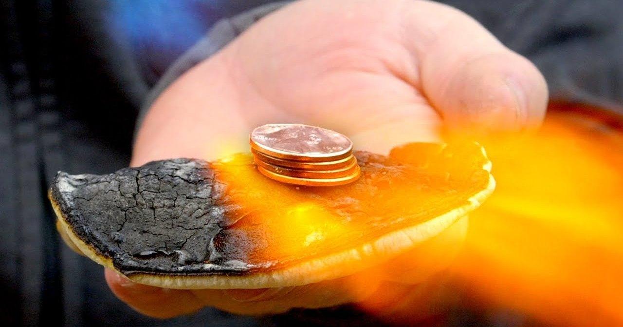 Огнеупорный материал из кухонных продуктов: плавим металл в руке