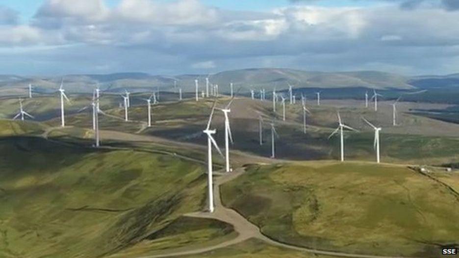 Ветряки Шотландии генерируют 200% необходимого электричества, Лос-Анджелес переходит на аккумуляторы - 1