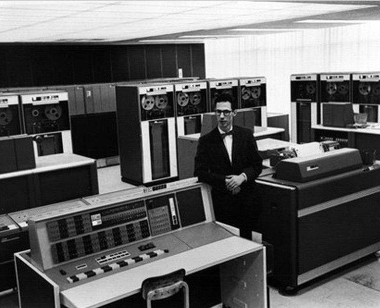 Фернандо Корбато, отец вашего компьютера (и пароля) умер в 93 года - 1