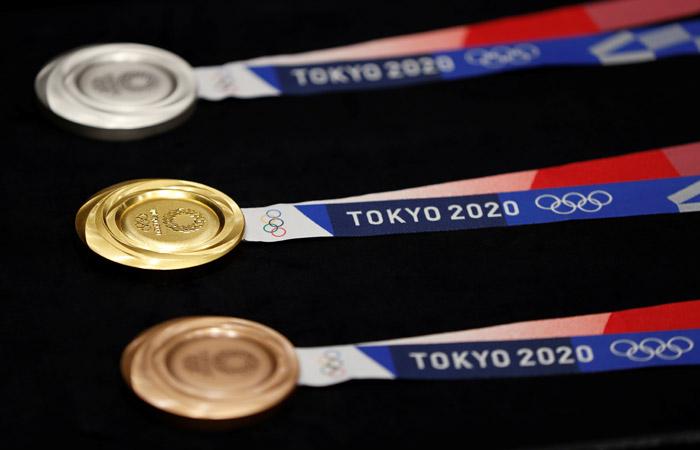 Медали Олимпиады-2020 в Токио сделаны из переработанных гаджетов - 1