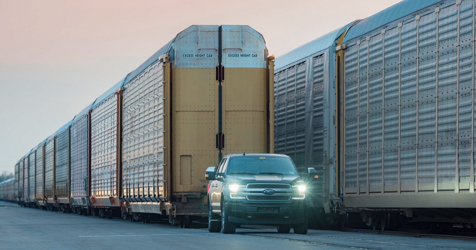 Может ли пикап буксировать поезд? Отвечает главный инженер Ford F-150