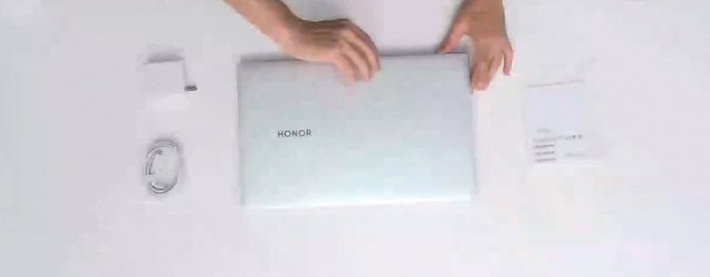 Первая распаковка Honor MagicBook Pro