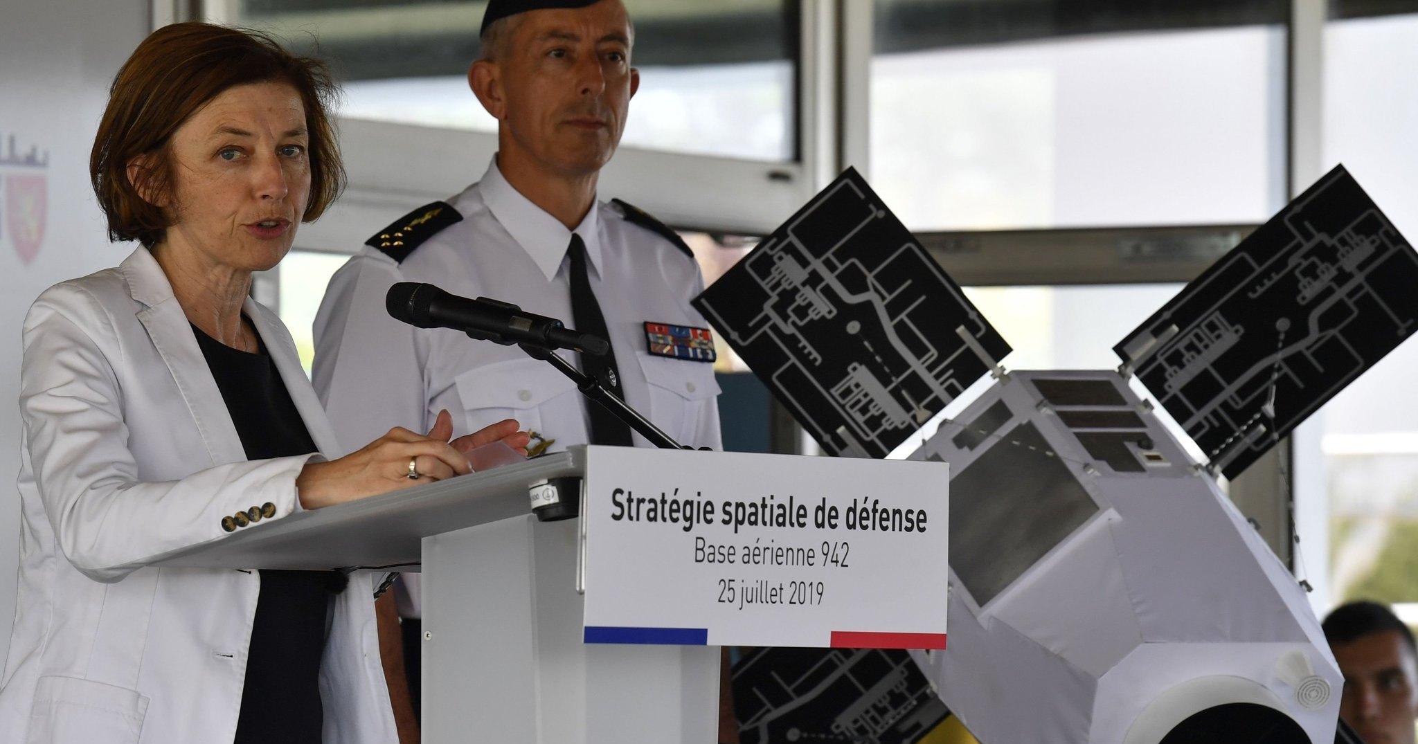 Франция отправит боевые лазеры в космос