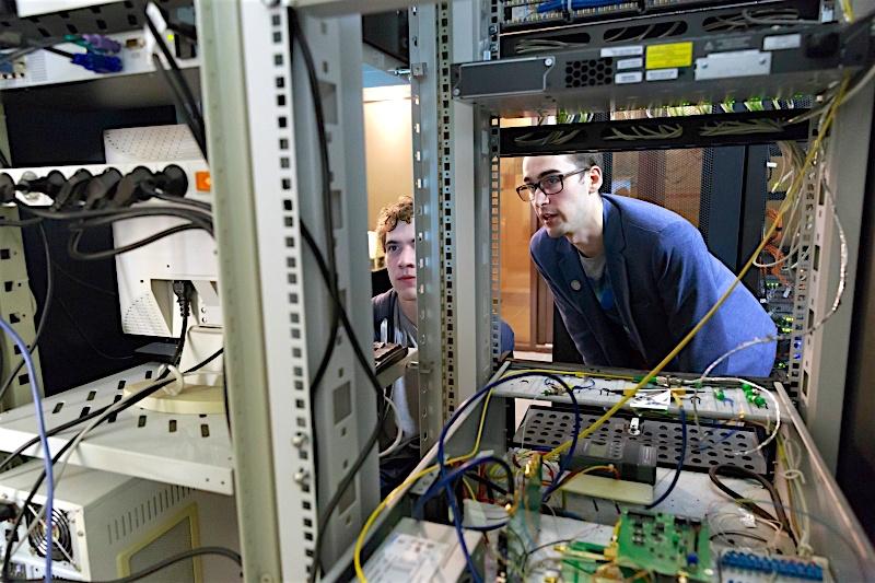 От теории к практике: как учатся и работают магистранты факультета Фотоники и оптоинформатики - 1