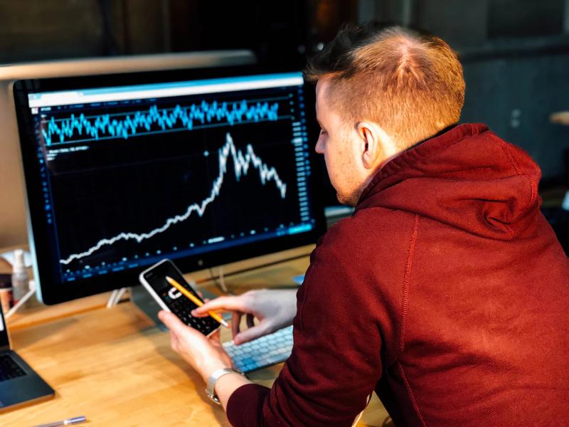 Инвестиции на бирже как способ сохранения финансов: 3 работающих способа - 1