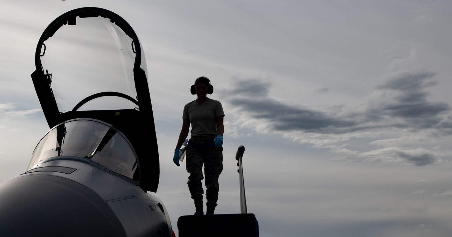 Почти треть самолётов и вертолетов ВВС США не готовы к бою