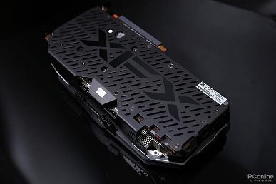 Фотогалерея дня: «горбатая» видеокарта XFX Radeon RX 5700 XT