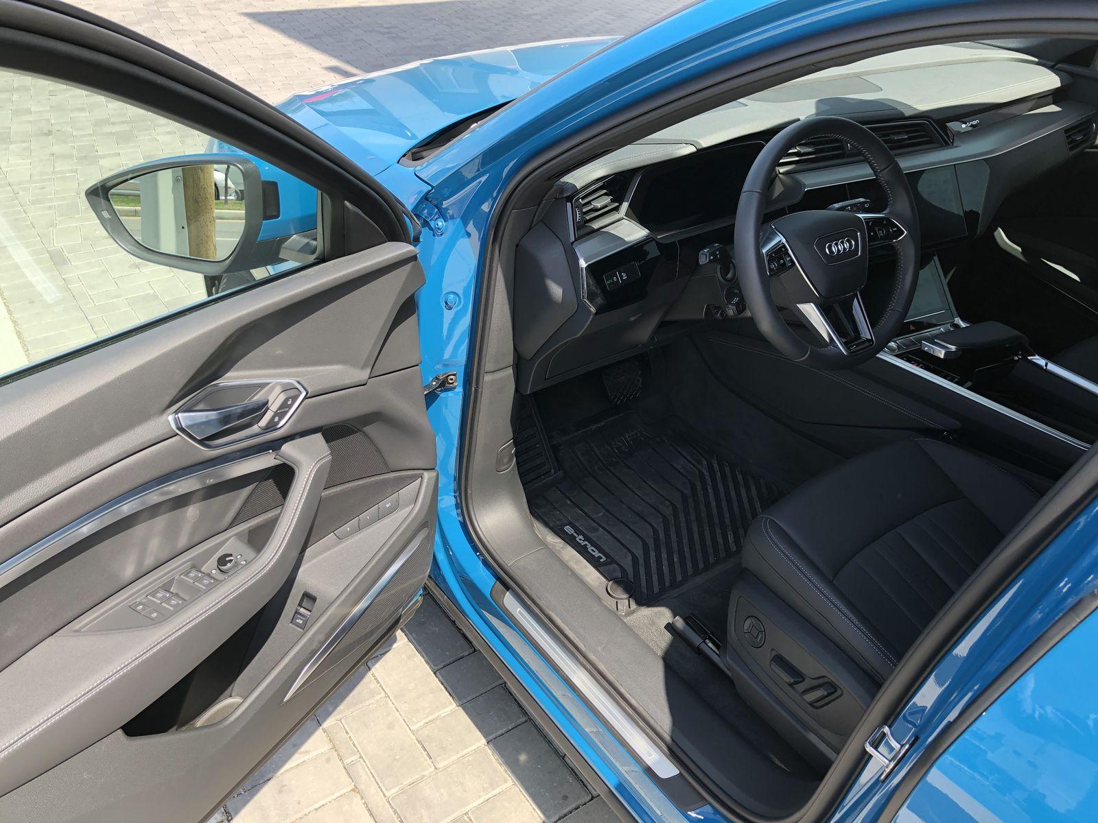 Тестдрайв Audi e-tron - 13
