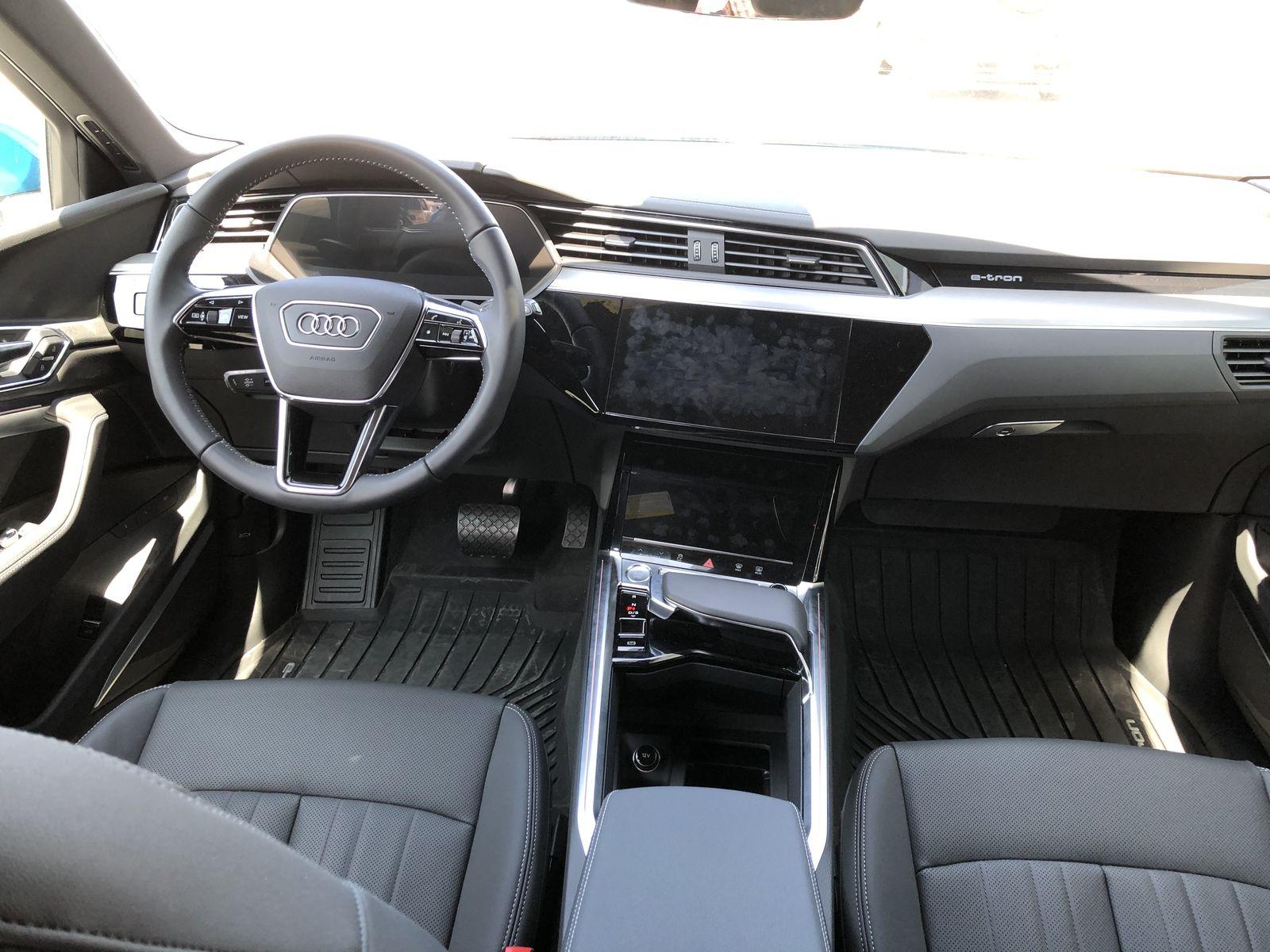 Тестдрайв Audi e-tron - 14