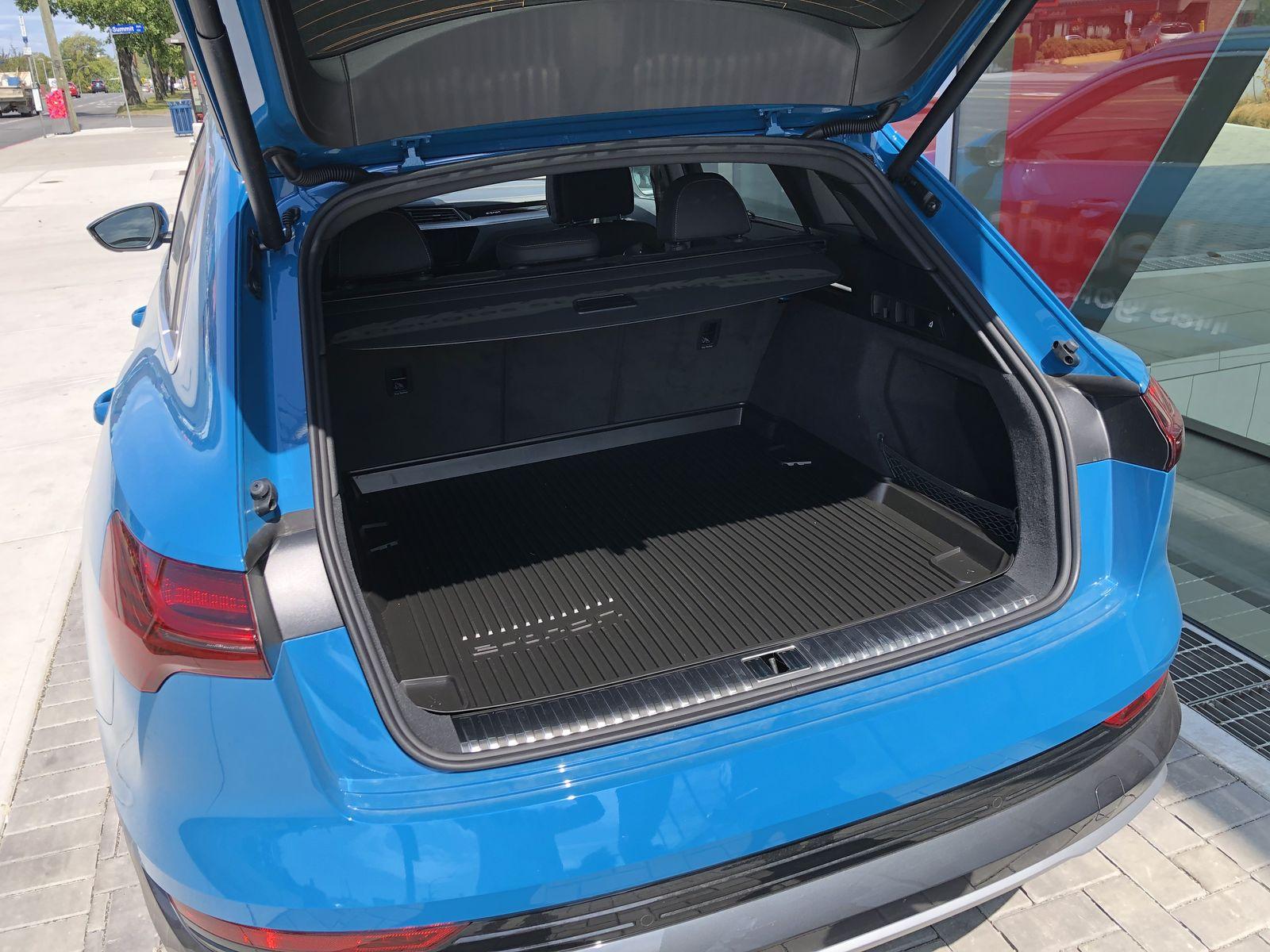Тестдрайв Audi e-tron - 9