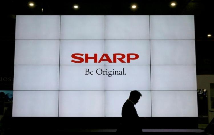 Sharp перемещает производство из Китая вслед за другими поставщиками Apple