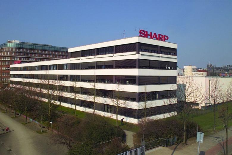 Sharp уходит с рынка панелей OLED для смартфонов - 1