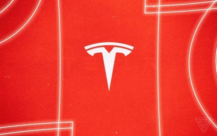Семья погибшего в автокатастрофе мужчины пытается взыскать с Tesla более $15 000